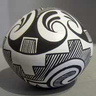 Traditional Zuni design on a black and white seedpot