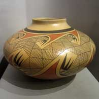 Sikyatki-style jar made by Fannie Nampeyo